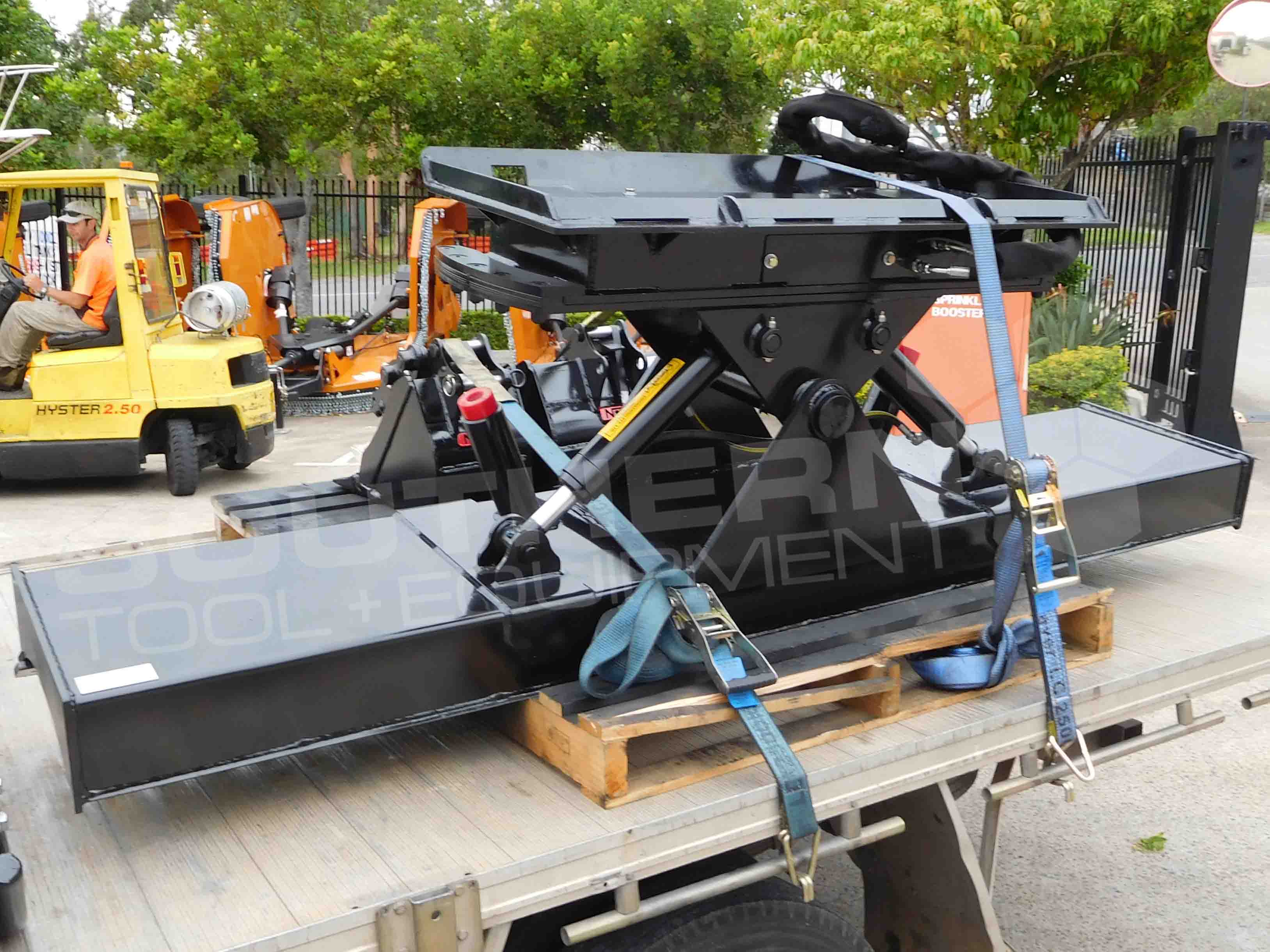 2100mm Heavy Duty Angle & Tilt Skid Steer Dozer Blade